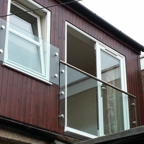 Modern Frameless Glass Juliet Balcony