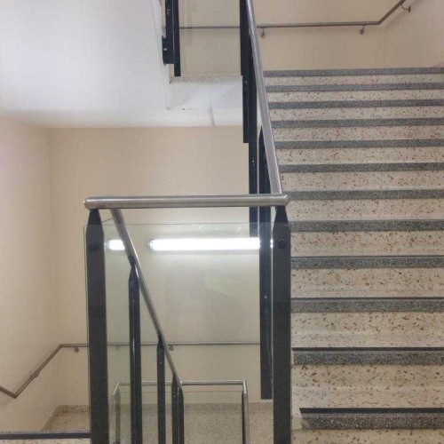 Powdercoated Fusion Glass Balustrade System 8