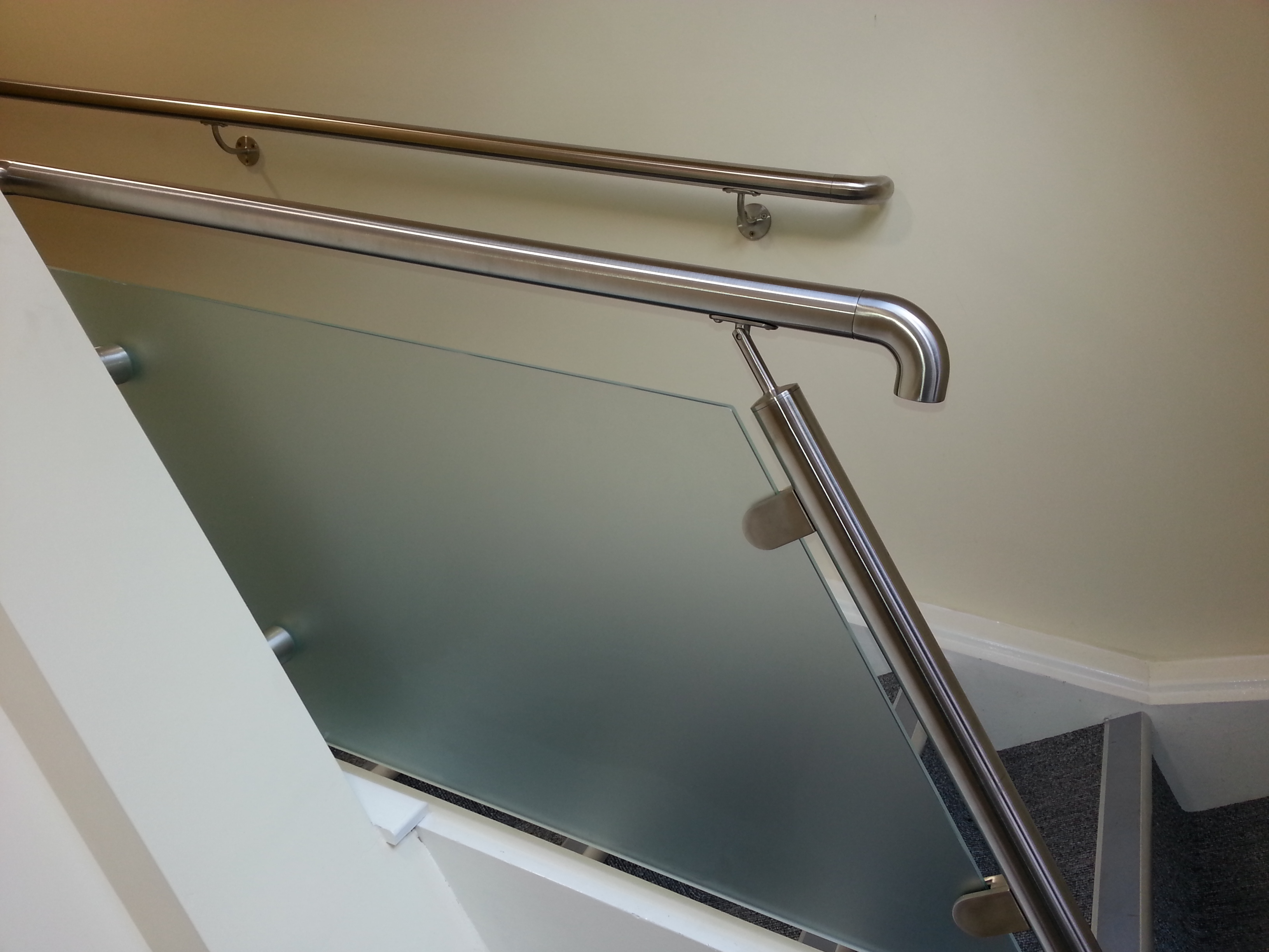 Stainless Steel And Powdercoated Wall Fixing Stair Handrails