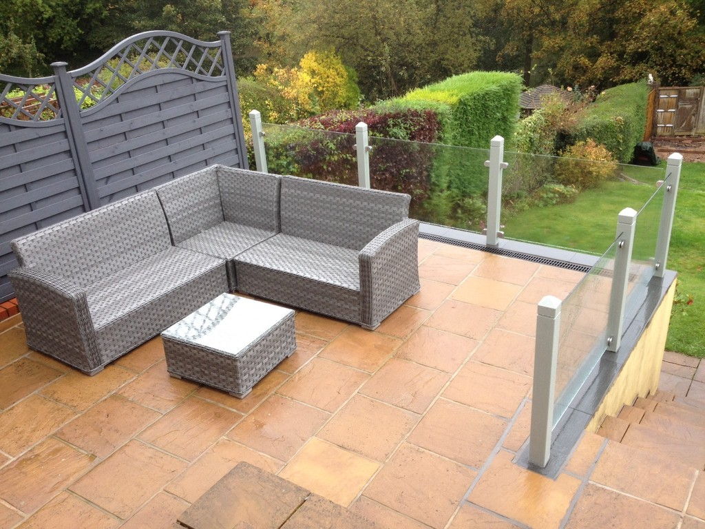 Low iron toughened glass for Terrace fence